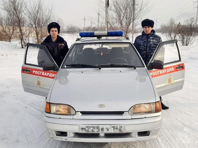 В Белове Росгвардейцы с поличным задержали серийного похитителя сотовых телефонов