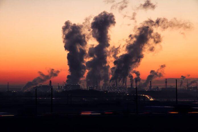 Промышленность, завод, дым, загрязнение воздуха