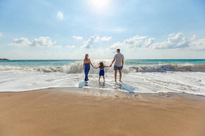 Семья, пляж, отпуск, отдых, море