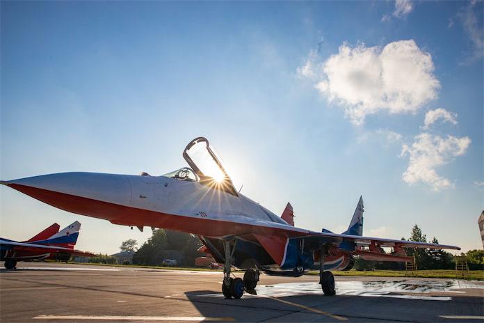 Авиагруппа высшего пилотажа «Стрижи» в Кемерове